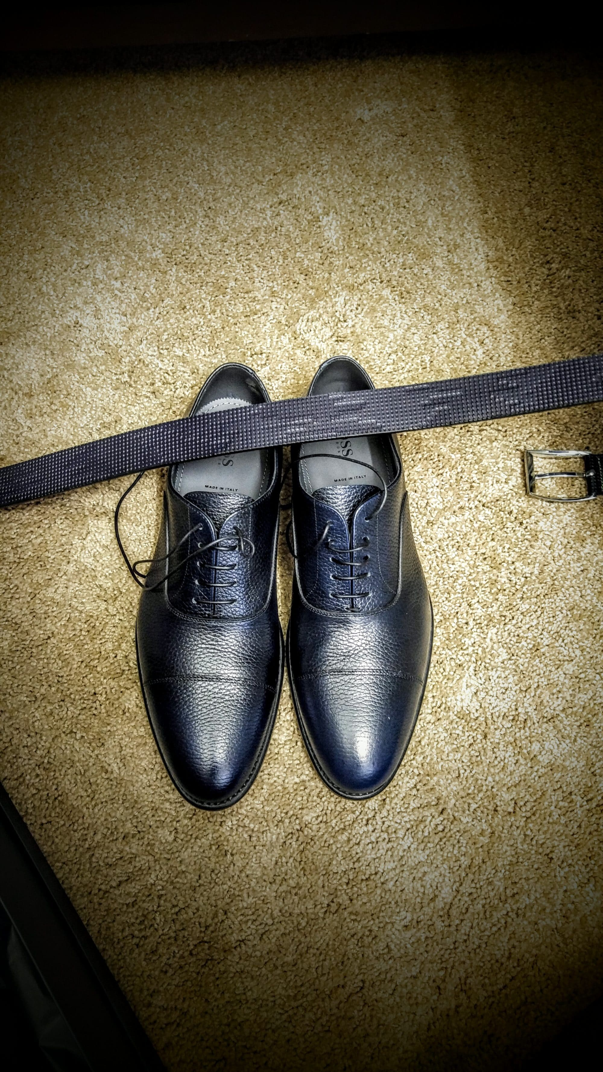 interview attire for men what to wear and how to wear it to impress what to wear to an interview men interview attire shoes match belt blue kris fannin intelivate